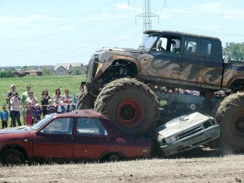 idei-de-cadou-monster-truck