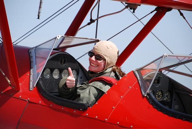 idei-de-cadou-zbor-cu-biplanul